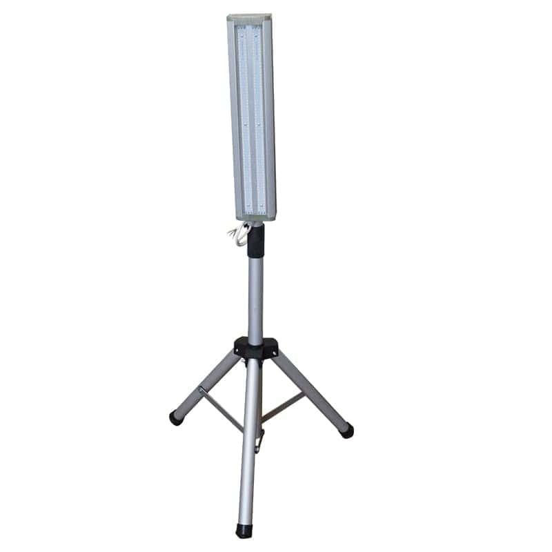 Светильник переносной 50 Вт на штативе